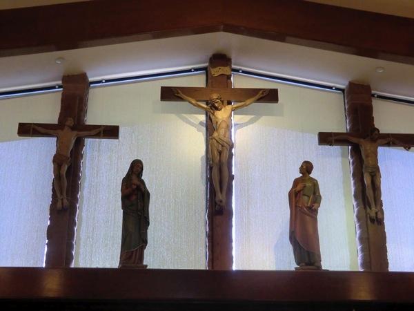 Sacredheart 3 crosses