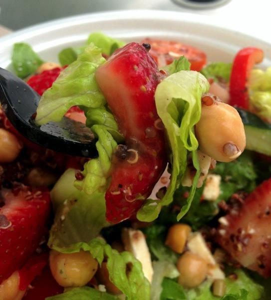 Med salad bite