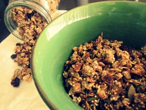 quinoa-granola-in-bowl2.jpg