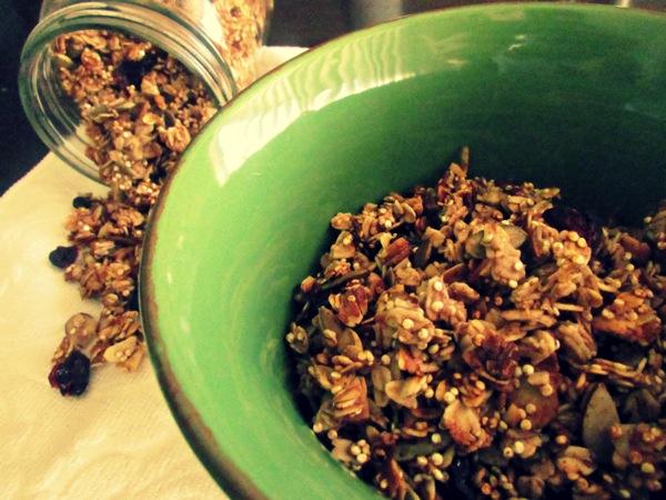 quinoa-granola-in-bowl2.jpg